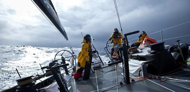 Volvo Ocean Race: op een kluitje