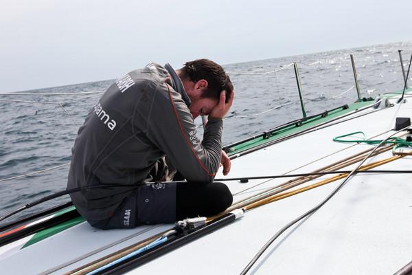 Volvo Ocean Race – Groupama breekt mast
