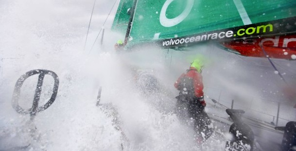 Volvo vloot vliegt Atlantische oceaan over