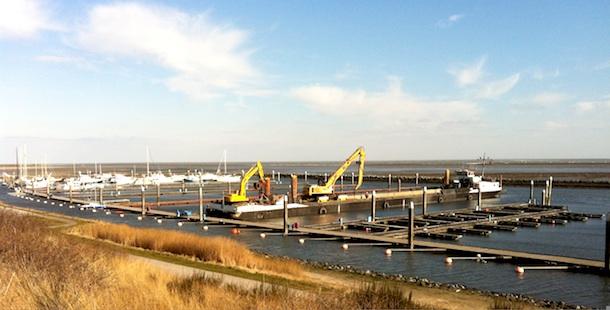 Groot onderhoud haven Terschelling