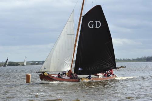 Friese watersport opent met Jorritsma en Skûtsjesilen