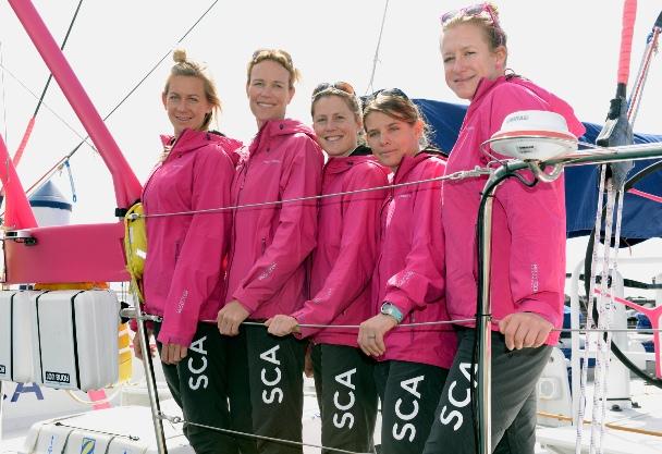 Carolijn Brouwer op vrouwenboot SCA