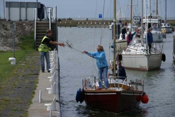 Stewards helpen pleziervaart in sluizen
