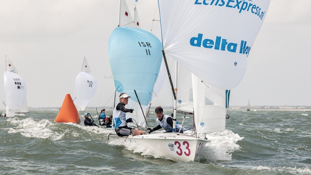 Nederlands 470-duo doet het goed in La Rochelle