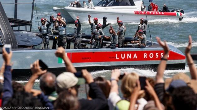 Luna Rossa wint halve finale Louis Vuitton Cup