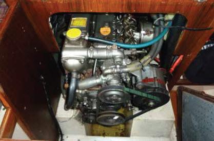 Inbouwmotor van een zeilboot