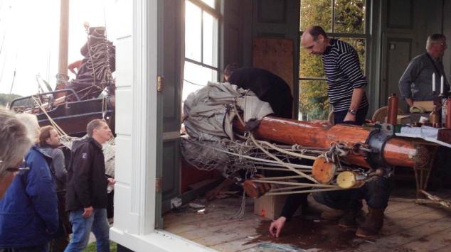 Strontrace: klipper vaart theehuis binnen
