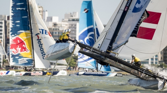 Live: Extreme Sailing Series 2013