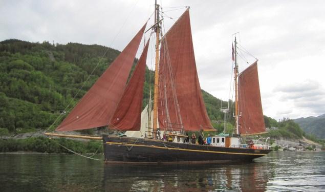 Fair Transport veilt parten zeilend vrachtschip