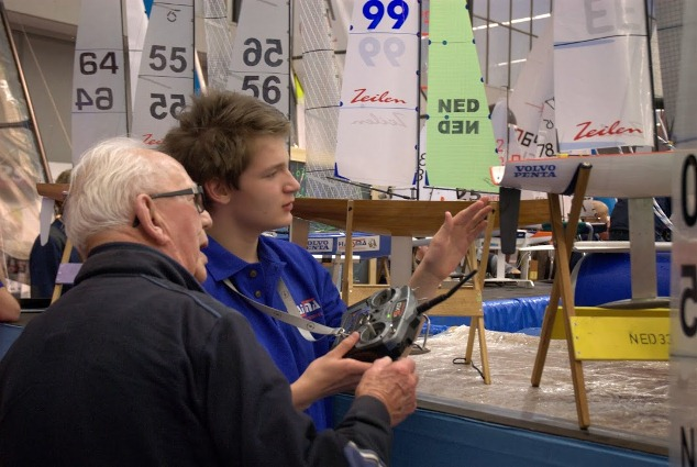 Indoor Zeilen regatta Hiswa (video)