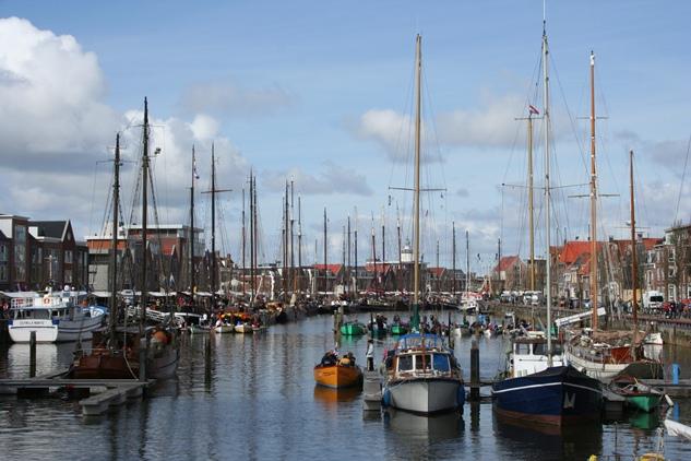 Harlingen ondertekent samenwerking chartervaart