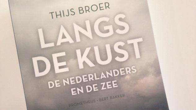 Win het boek 'Langs de kust'