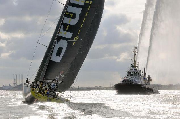 Feestelijke aankomst Team Brunel in IJmuiden (video)
