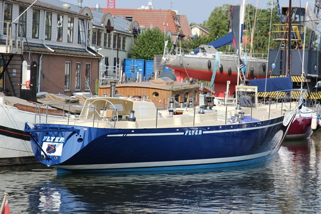 Flyer drijft weer na refit (video)