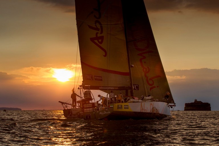 Abu Dhabi wint strijd tussen Volvo Ocean boten
