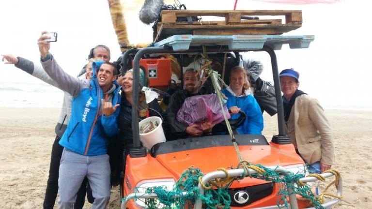 Van Rijsselberghe helpt opruimen Noordzeestranden