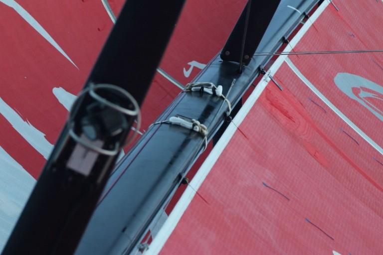 Dongfeng moet schade in mast repareren