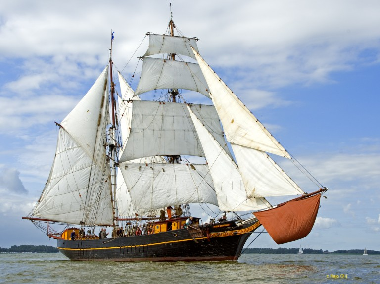 Brigantijn Tres Hombres zoekt scheepsagent