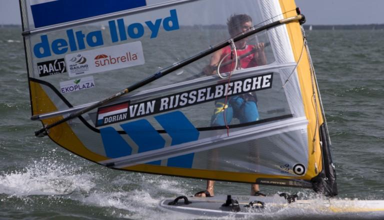 Surfer Van Rijsselberghe breekt pols