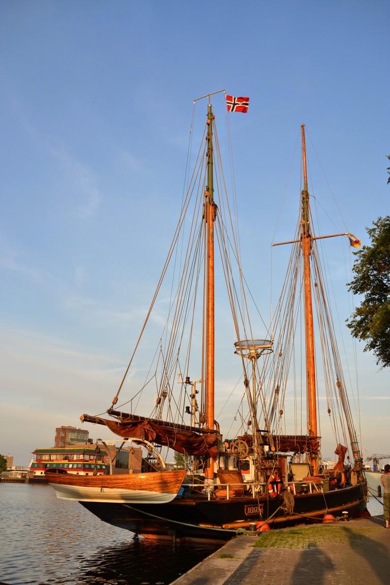 Zeilend vrachtschip krijgt masten terug