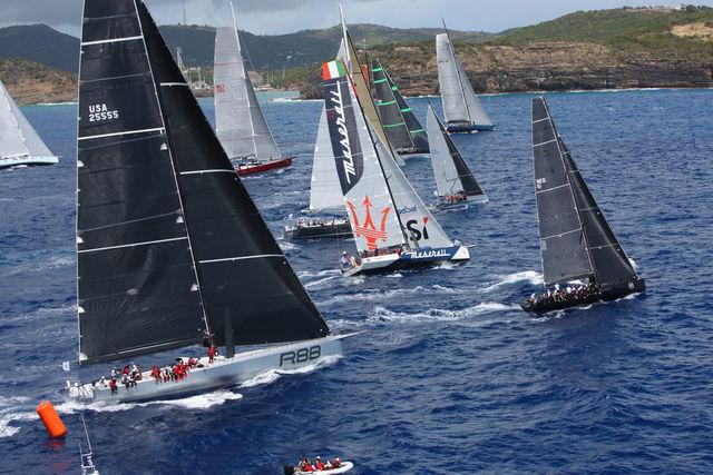 Race rond de Caribische eilanden vanuit de lucht