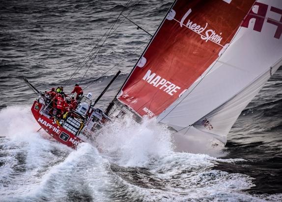 Voorhoede Volvo Ocean-vloot voorbij Kaap Hoorn