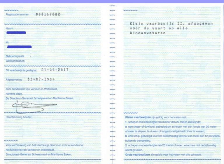 Papieren vaarbewijs op creditkaartformaat