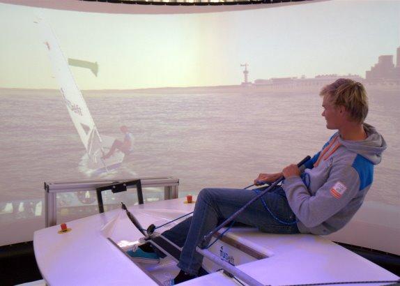 Zeilsimulator aanwezig bij Volvo Ocean Race Festival