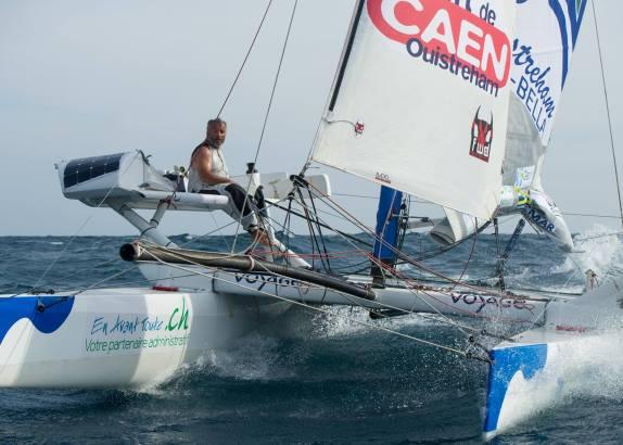 Bourgnon bijna terug van wereldreis op open catamaran