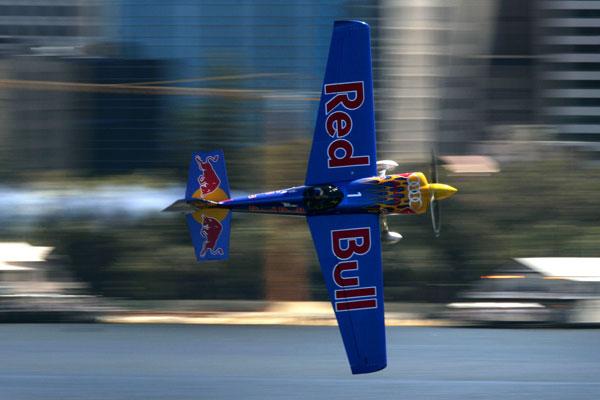 Airshow tijdens Sneekweek (video)