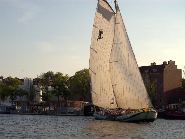 Skûtsjesilen op 't IJ tijdens Sail Amsterdam