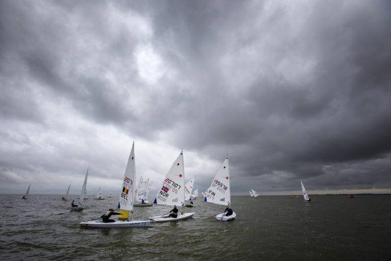 Weinig wind en veel geduld op Delta Lloyd Regatta
