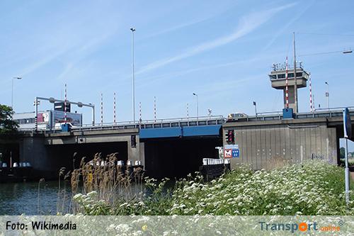 Giessenbrug gesloten voor scheepvaart