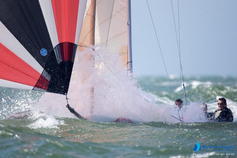Veel wind en hard zeilen op de North Sea Regatta