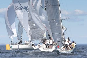 Bach Yachting Race Team