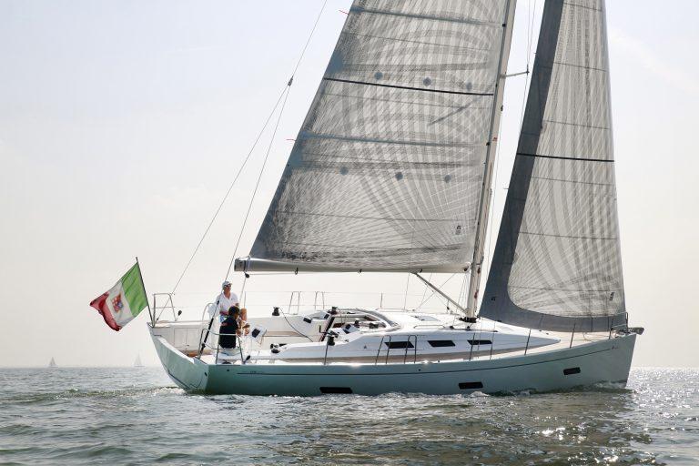 Vaartest Italia Yachts 12.98