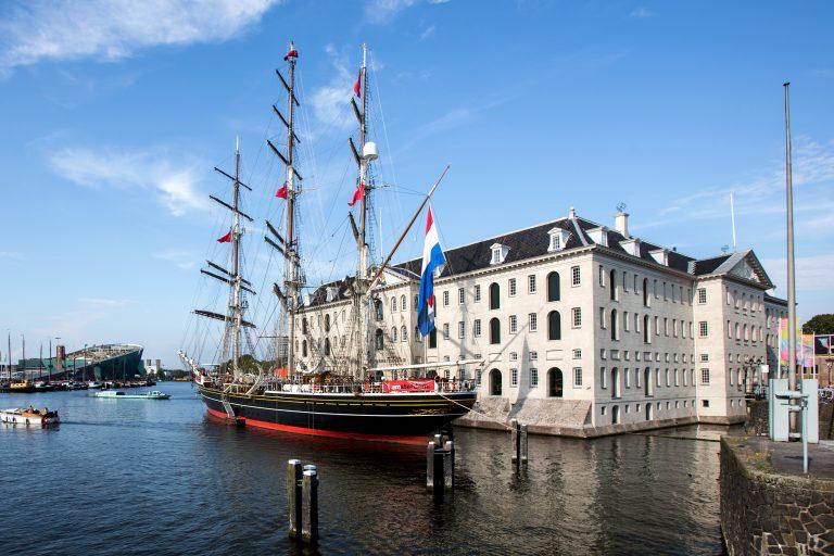 Neem een kijkje aan boord van Stad Amsterdam