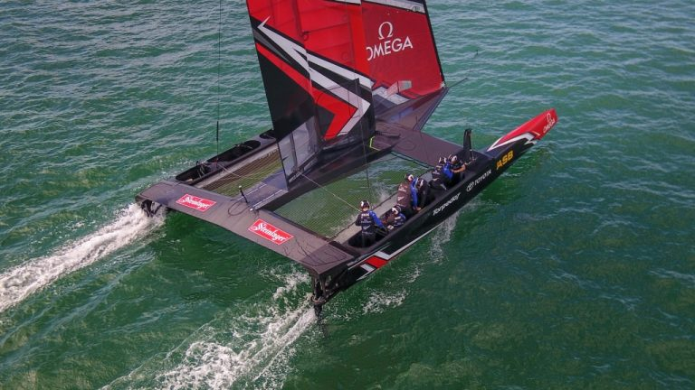 Steinlager sponsort America's Cup Team New Zealand