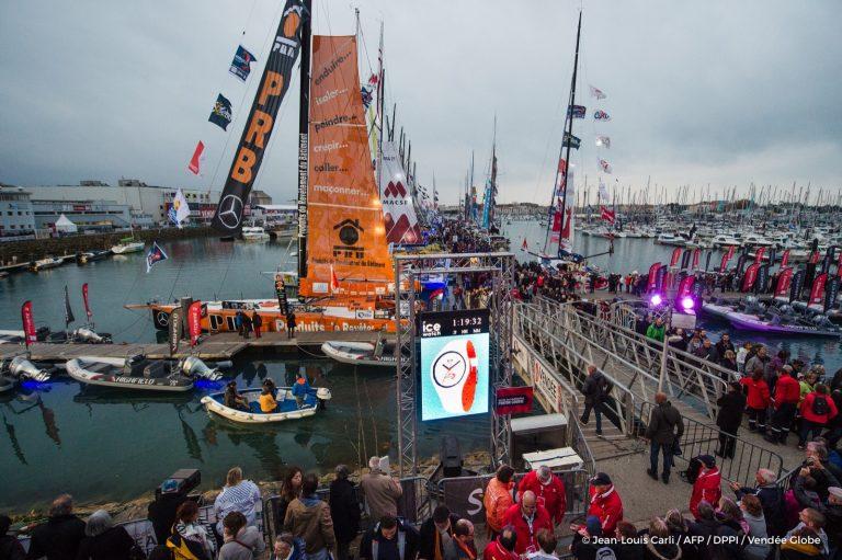 Rondneuzen voor de start van de Vendée Globe