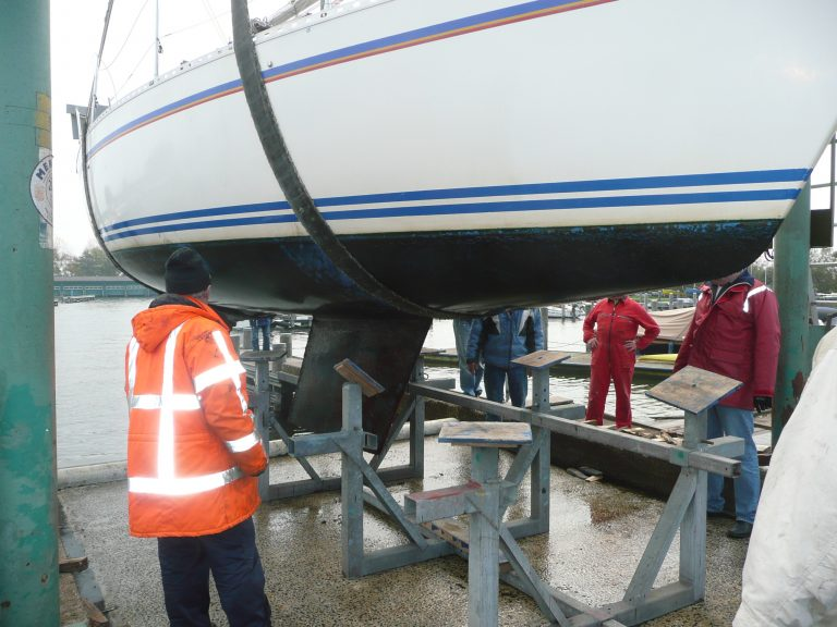 Zorg dat je boot veilig op de bok staat