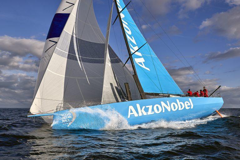 Team AkzoNobel zet koers naar Scheveningen
