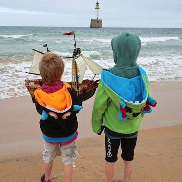 Speelgoedbootje vaart van Schotland naar Scandinavië
