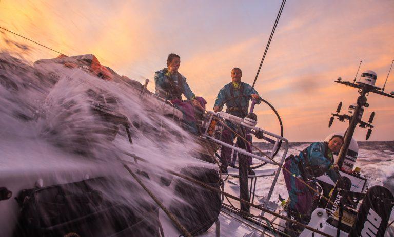VOR: Vloot zit Vestas op de hielen