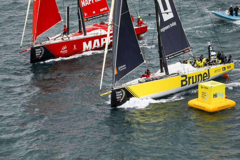 Team Brunel wint In-Port Race in Lissabon