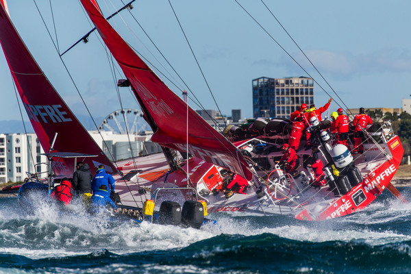 'Fotofinish' in tweede etappe Volvo Ocean Race