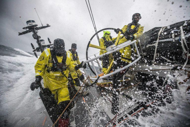 Eerste schade VOR-vloot door storm