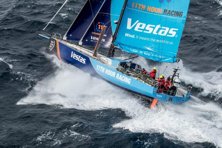 Vestas breekt mast, ook schade bij andere teams