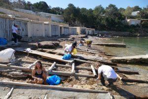 Strand schoonmaken