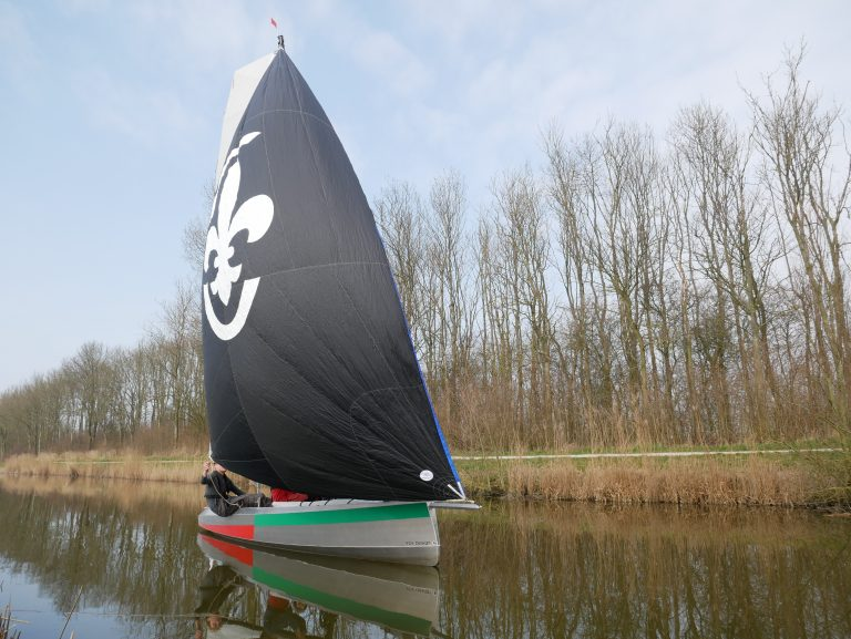 LelieClass 560: Als zeeverkenner door Friesland