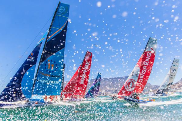 Volvo Ocean Race: een-na-laatste etappe gaat bijna van start